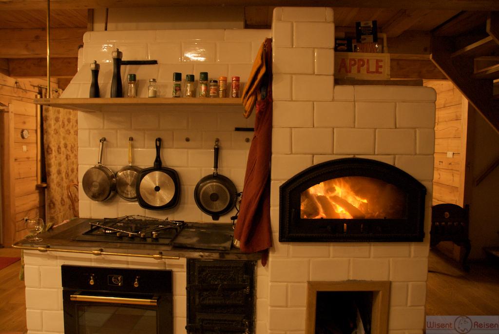 Küche mit Pizzaofen